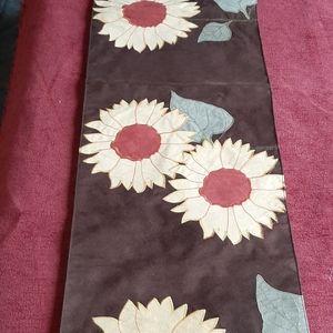 Sonoma cloth table runner